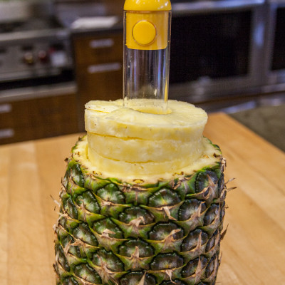 how to cut up a pineapple into rings