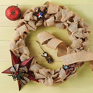 Holiday Wreaths And Décor