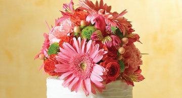Fresh floral cake topper