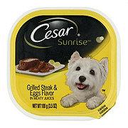 Cesar Sunrise Grilled Steak & Eggs Flavor in Meaty Juices Wet Dog Food