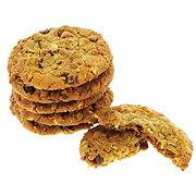 H-E-B Gourmet Oatmeal Raisin Cookies