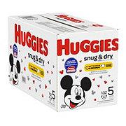 Huggies Snug & Dry Diapers 136 ct