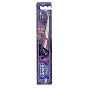 Oral-B 3D White Pro-Flex Manual Soft Toothbrush - Colors May Vary