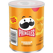 Pringles Grab & Go Cheddar Cheese Potato Crisps