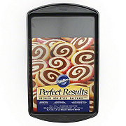 Wilton Perfect Results Non-Stick Medium Cookie Pan