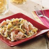 Mediterranean Fettuccine with Shrimp & Spinach