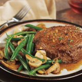 Sirloin Steaks With Green Beans And Mushrooms
